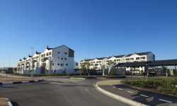 Apartment To Rent in Parklands North, Blouberg