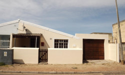 House For Sale in Sea Wind, Cape Town
