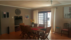 Townhouse To Rent in Bluewater Bay, Saldanha