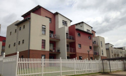 Apartment For Sale in Sunninghill, Sandton