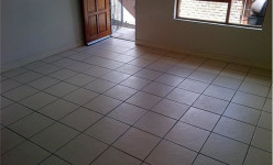 Flat For Sale in Scheepers Heights, Uitenhage
