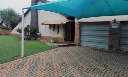 House For Sale in Flamwood, Klerksdorp