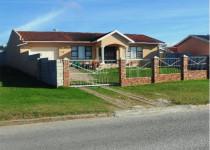 House For Sale in Overbaakens, Port Elizabeth