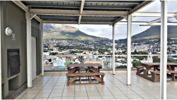Apartment For Sale in Cape Town City Centre, Cape Town