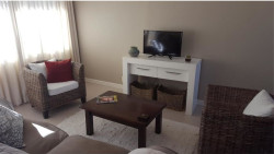 Apartment To Rent in Hout Bay Central, Hout Bay