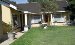 Bachelor Flat To Rent in Mooivallei A H, Potchefstroom