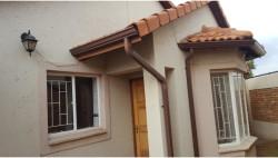 House For Sale in Pomona, Kempton Park