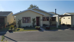 House For Sale in Paarl North, Paarl