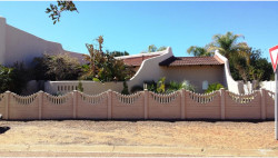 House For Sale in Flora Park, Upington