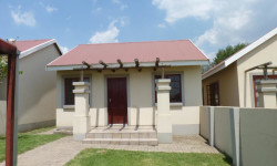 Townhouse To Rent in Tasbet Park & Ext, Witbank