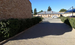 Townhouse For Sale in Diamant Park, Kimberley