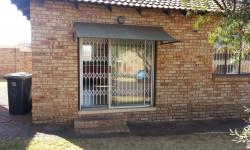 Simplex To Rent in Witpoortjie, Roodepoort