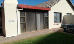 Townhouse For Sale in Diaz Beach, Mossel Bay