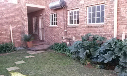 Simplex To Rent in Celtisdal, Centurion