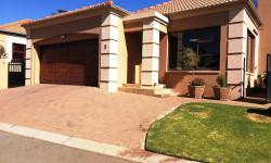 Townhouse For Sale in Noordheuwel, Krugersdorp
