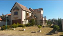 House To Rent in Ninapark, Akasia