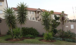 Townhouse To Rent in Linmeyer, Johannesburg