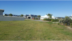 House For Sale in Marina Martinique, Jeffreys Bay