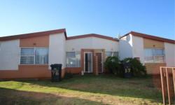 Simplex To Rent in Ridgeway, Johannesburg