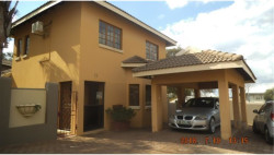 Townhouse To Rent in Cashan & Ext, Rustenburg