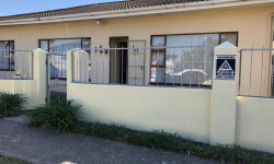 House For Sale in Berea, East London