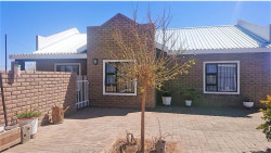 House For Sale in Keidebees, Upington