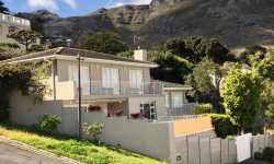 House To Rent in Scott Estate, Hout Bay
