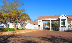 Studio To Rent in Olympus, Pretoria