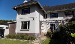 Duplex To Rent in Kenilworth, Cape Town