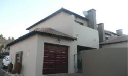 Duplex To Rent in Noordheuwel, Krugersdorp