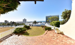Townhouse For Sale in Humewood, Port Elizabeth