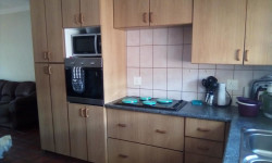 Townhouse To Rent in Labram, Kimberley