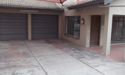 Townhouse To Rent in ,