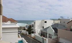 Apartment To Rent in Bantry Bay, Cape Town