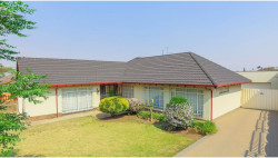 House For Sale in Birchleigh, Kempton Park