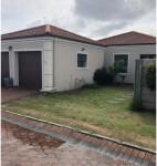 Townhouse To Rent in Lorraine, Port Elizabeth