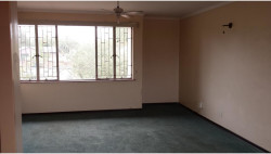 Bachelor Flat For Sale in Barry Hertzog Park, Newcastle