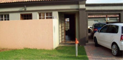 Townhouse To Rent in Grimbeeck Park, Potchefstroom