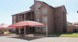 Townhouse To Rent in Western, Benoni
