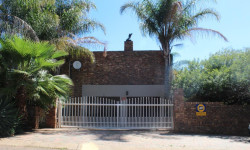 House For Sale in Ifafi, Hartbeespoort
