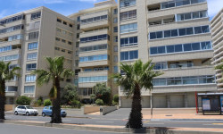 Apartment For Sale in Three Anchor Bay, Cape Town