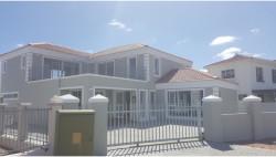 House For Sale in Port Owen, Velddrif