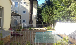 Apartment To Rent in Claremont, Cape Town