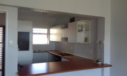 Apartment To Rent in Harfield Village, Cape Town