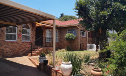 House To Rent in Wilro Park, Roodepoort