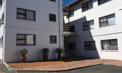 Bachelor Flat To Rent in Northcliff, Hermanus