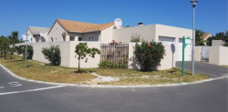 House To Rent in Sunningdale, Blouberg