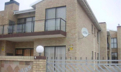 Apartment For Sale in Central Jeffreys Bay, Jeffreys Bay