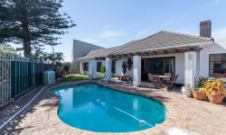House To Rent in Muizenberg, Cape Town