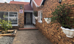 House For Sale in Edleen, Kempton Park